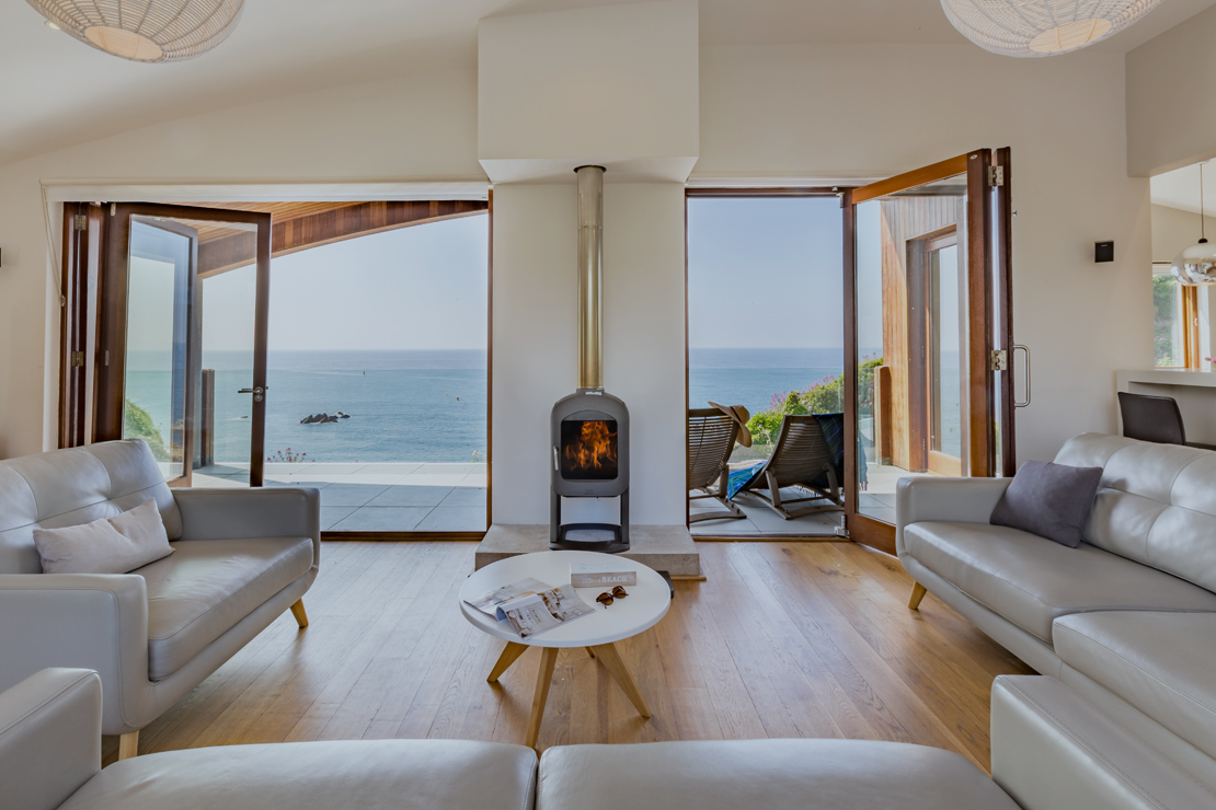 10 most impressive sea view cottages