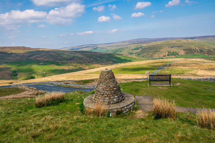 Cycling in Yorkshire - Buttertubs Pass