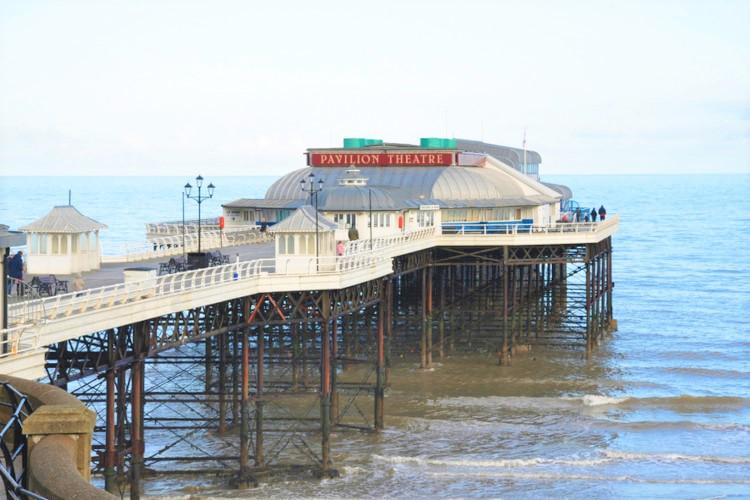 Thins to do Norfolk - seaside theatres