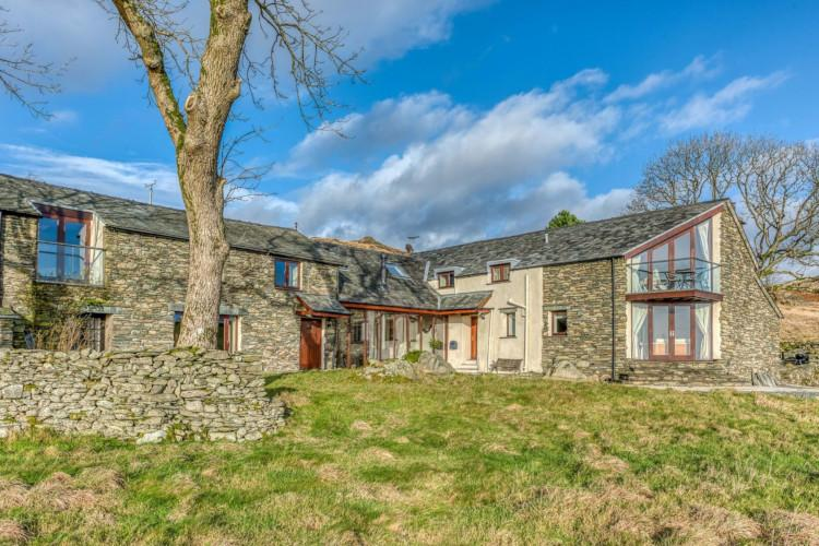 Luxury dog-friendly Lake District cottage