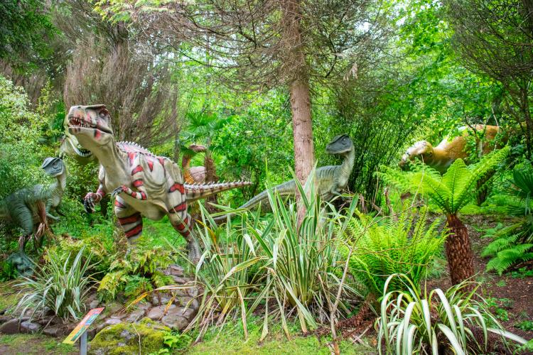 Dan-yr-Ogof dinosaur park